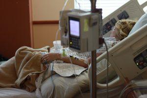 patient macht fotos im krankenhaus